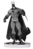 Soška Batman Black & White Statue Simon Bisley 2nd Edition