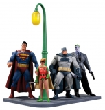 Figurky Batman The Dark Knight Returns Action Figure 4-Pack 30th Anniversary