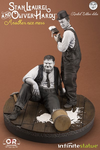 "Soška LAUREL & HARDY -  ""ANOTHER NICE MESS"" OLD&RARE RESIN STATUE"