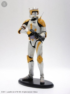 Soška Commander Cody - Ready to Fight Statue - Star Wars