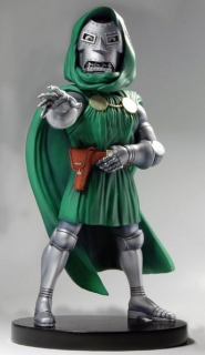 Figurka Dr. Doom - Marvel Classic XL Head Knocker Bobble-Head - Neca