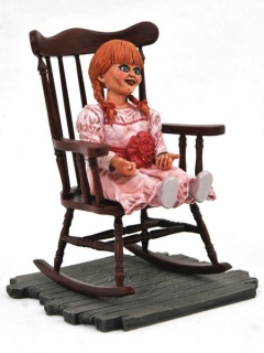 Soška Annabelle - The Conjuring Universe Horror Movie Gallery PVC Statue