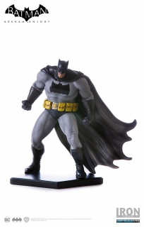 Soška Batman The Dark Knight (Frank Miller) - Batman Arkham Knight Statue 1/10