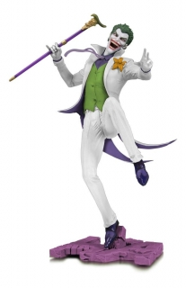 Soška The Joker White Variant Exclusive - DC Core PVC Statue