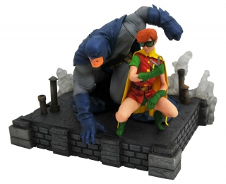 Soška Batman & Robin - The Dark Knight Returns DC Comic Gallery PVC Statue